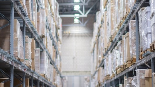 The Secret Inside of A Fulfillment Center – {:en}MILLION
